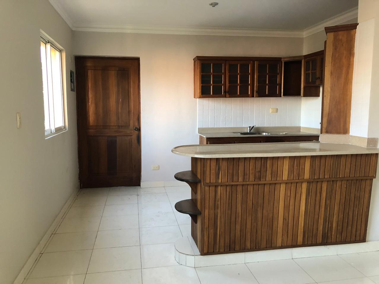 Vendo Apartamento  en lo Mejor del  Ensanche Ozama, a pocos metros de la Av. Venezuela y Las  Américas.
