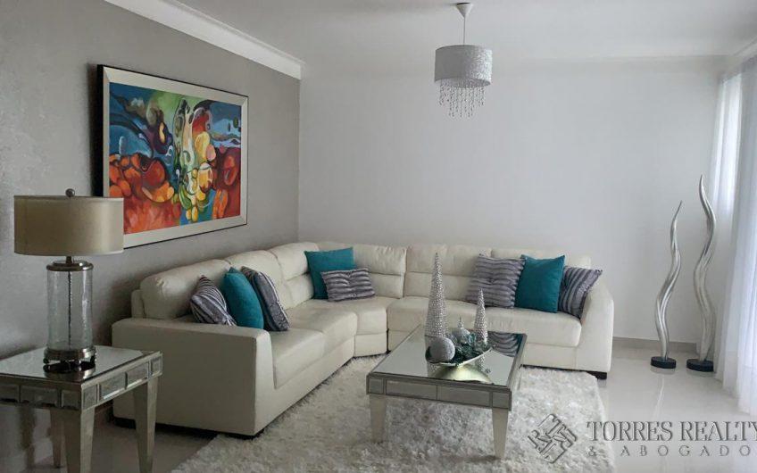 Vendo apartamento con espacios amplios y ventilados en Villa María, Santiago.